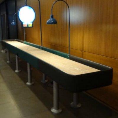 Shuffleboard asztal