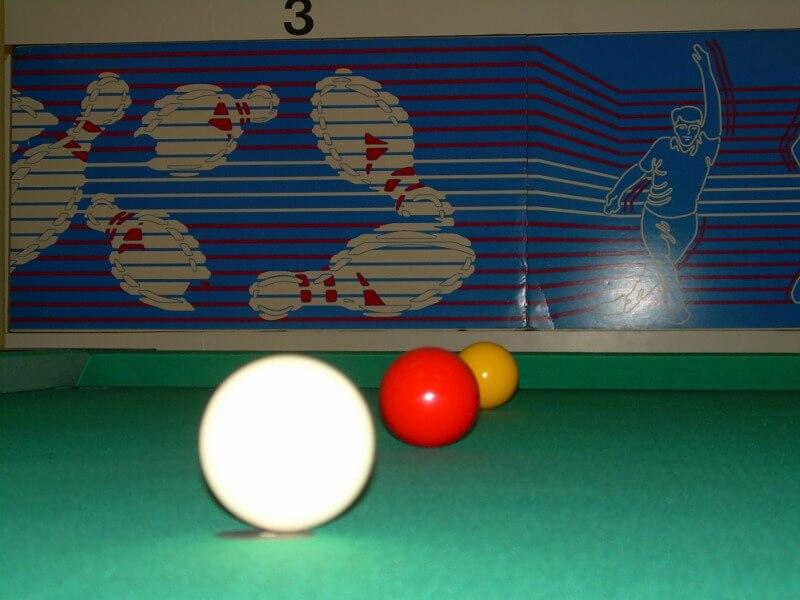 A karambol biliárd kevésbé elterjedt mint a pool biliárd